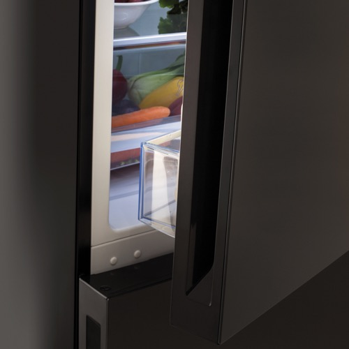 FK3216GBDF 60cm freestanding frost-free 70/30 fridge freezer, black glass Alternative (1)