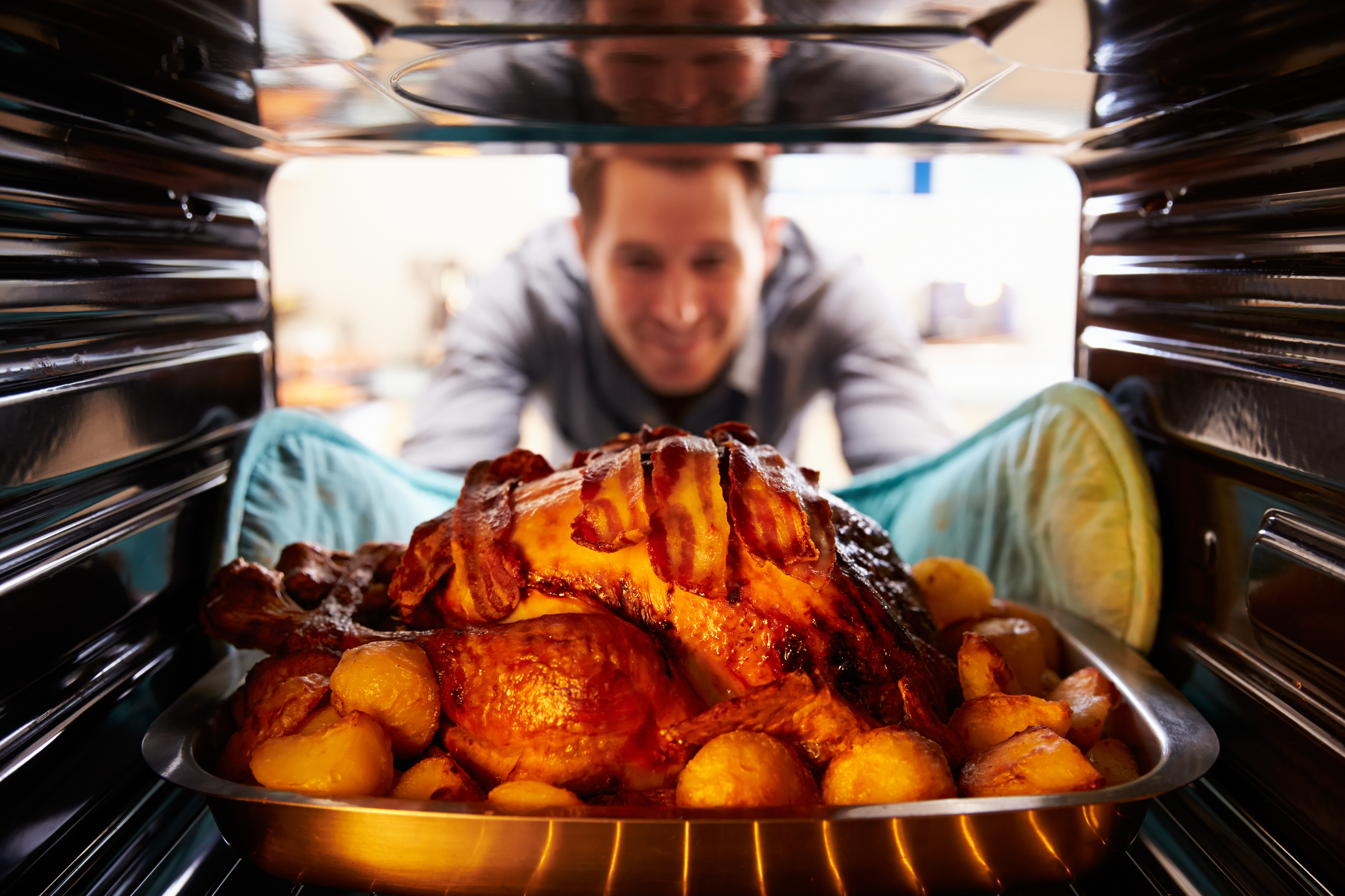 Is it better to cook with gas or electric?  - CDA Appliances